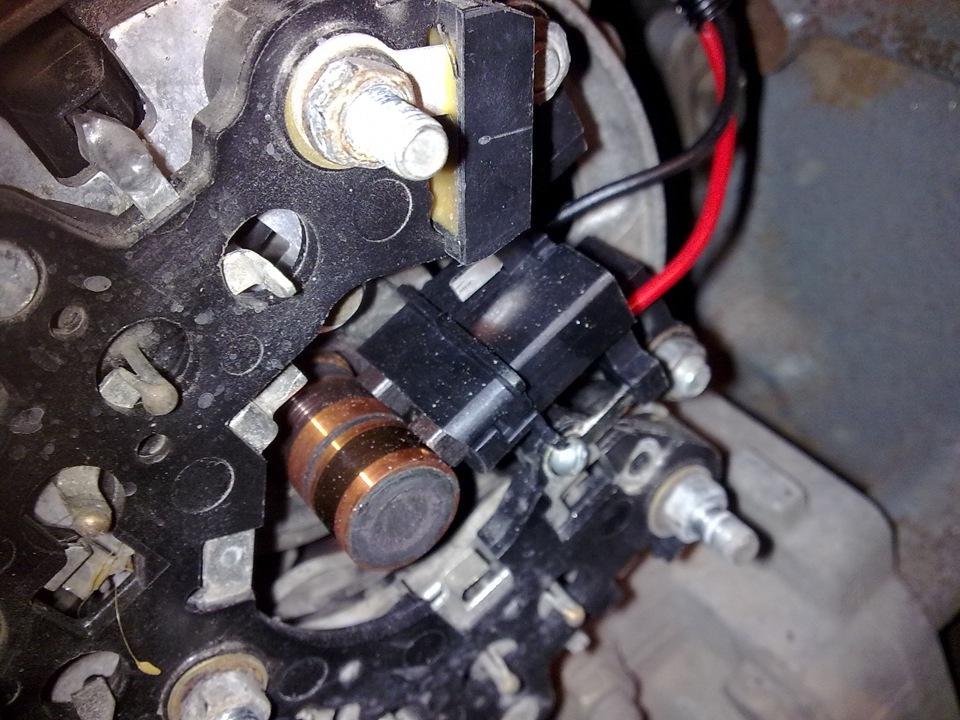 Фото №10 - установка трехуровневого регулятора напряжения на ВАЗ 2110