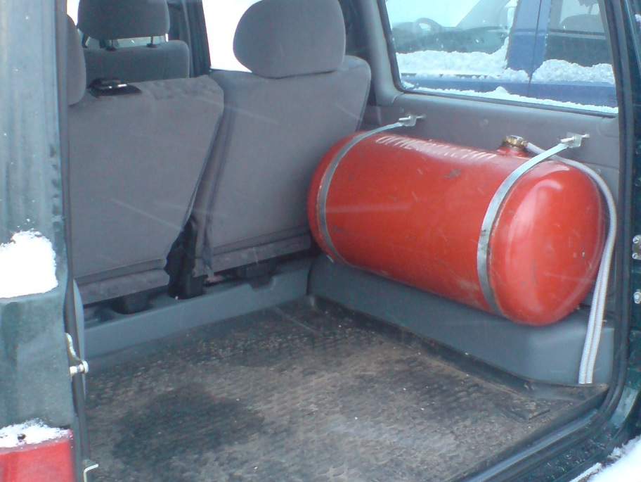 Размещение оборудования в багажнике