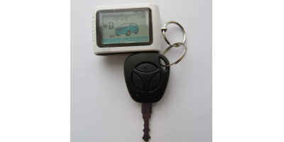 Брелок управления системой охраны авто