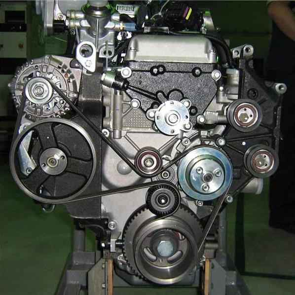 Внешний вид двигателя внедорожника