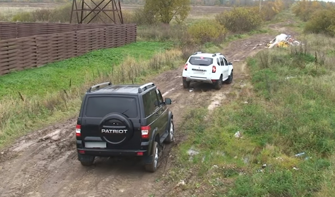 Рено и УАЗ в поле