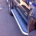 Авто с накладками на порог