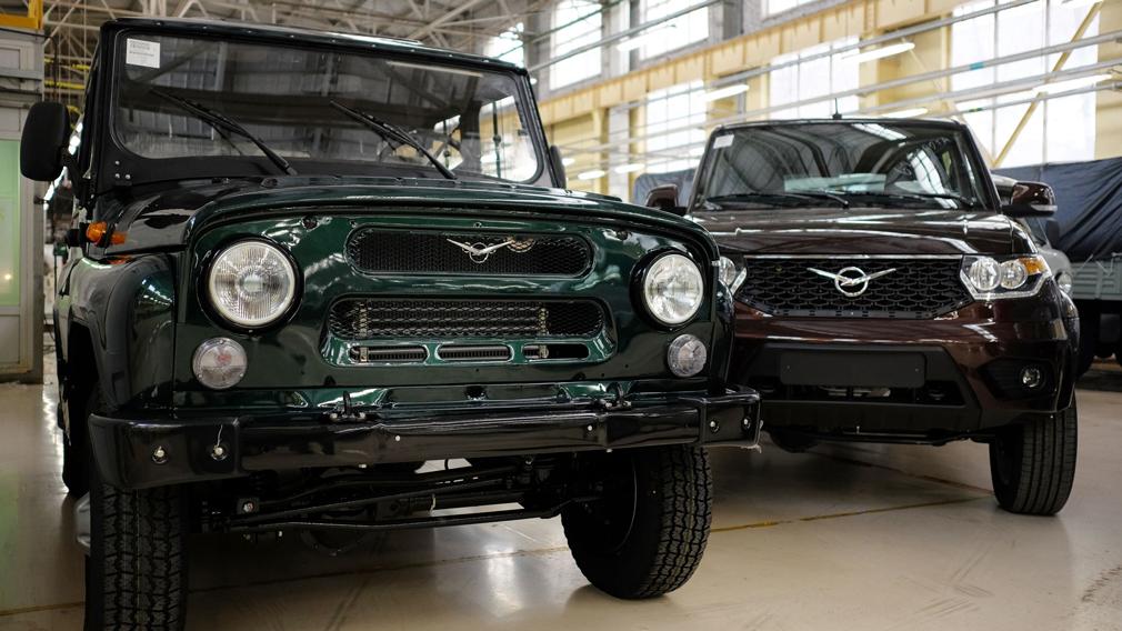Сравнение двух моделей УАЗ